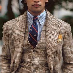 Mens Tweed Suit, Tweed Suits, Pinstripe Suit, Blazer Outfits Men, Stylish Mens Outfits, Der Gentleman, Gentleman Style, Mens Fashion Blog, Suit Fashion