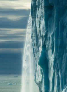 Amazing World Online: Breathtaking Glacial Waterfalls in Svalbard, Norway