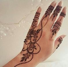 Explore latest Mehndi Designs images in 2019 on Happy Shappy. Mehendi design is also known as the heena design or henna patterns worldwide. We are here with the best mehndi designs images from worldwide. Mehndi Tattoo, Henna Tattoos, Henna Ink, Et Tattoo, Henna Body Art, Henna Tattoo Designs, Henna Mehndi, Calf Tattoos, Libra Tattoo