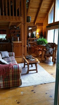 The Mirror Lake rental, $180.00-229.00 4 bedrooms.