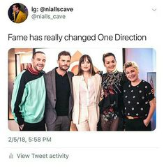 Here we have Liam Payne on the left hand side. Right next to him is Zayn Malik, then Harry Styles, Louis Tomlinson and finally the adorable Niall Horan.