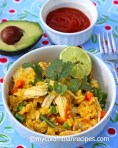 Arroz con Pollo (Colombian Chicken and Rice) Read Recipe by ericadinho Colombian Dishes, My Colombian Recipes, Colombian Cuisine, Latin Chicken Recipe, Chicken Recipes, Columbian Recipes, My Favorite Food, Favorite Recipes, Brunch