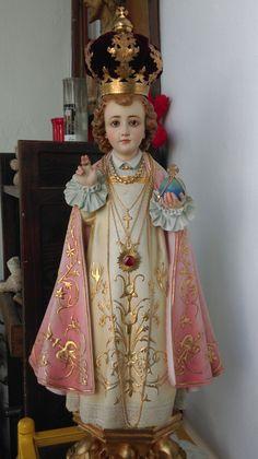 Santo Niño de Praga. IX Sagrada Coleccion de Jose Luis Castrillo de Guzman. Sevilla. España.