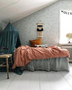 Teal and coral tween / teen room