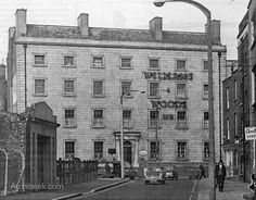 """Built of Parnell St (the Great Britain St) in 1786 or Simpson's Hospital, was founded for the care of """"blind and gouty men in reduced circumstances"""", it was demolished in Ireland Pictures, Old Pictures, Old Photos, Dublin Street, Dublin City, Irish Culture, Dublin Ireland, England Uk, Belfast"""