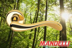 Impression of the Mandelli Ande handle (451). This combination and many other door & window products are available at our website (www.tenhulscher.nl)