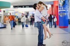Airport Engagement Pictures... LOVE this!!!