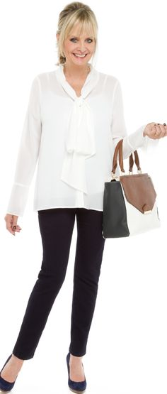 twiggy marks and spencer autumn/winter 2014 collection - Woman And Home Fashion For Women Over 40, Signature Style, Looking For Women, Fall Outfits, Autumn Fashion, Fall Winter, Normcore, Celebrities, Celebrity
