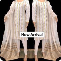 Fancy Dress Design, Stylish Dress Designs, Designs For Dresses, Simple Pakistani Dresses, Pakistani Dress Design, Indian Dresses, Pakistani Clothes Online, Pakistani Clothing, Pakistani Fashion Party Wear