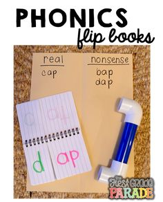Use a small notebook to make a flip book for students to practice CVC words. Phonics Books, Teaching Phonics, Phonics Activities, Reading Activities, Kindergarten Reading, Teaching Reading, Guided Reading, Teaching Ideas, Kindergarten Teachers