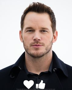 Chris Pratt attends a photocall for their film 'Passengers' at the Monument to the Conquerors of Space on December 2016 in Moscow. Chris Pratt Movies, Rae Dawn Chong, Chris D'elia, Peter Quill, Luke Evans, Star Lord, Hollywood, Movie List, Guardians Of The Galaxy