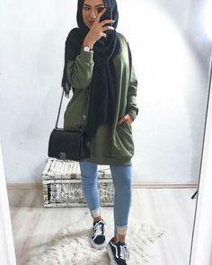 Hijaber Manja: Videos of Beautiful Angels Make Love Modest Fashion Hijab, Modern Hijab Fashion, Street Hijab Fashion, Islamic Fashion, Muslim Fashion, Fashion Outfits, Ootd Hijab, Casual Hijab Outfit, Hijab Chic