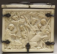 File:French - Casket with Scenes of Romances - Walters 71264 - Left.jpg
