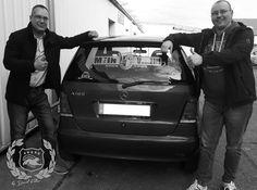 Beschriftung Heckscheibe im Auftrag des Kunden. Mercedes A Klasse http://delapente-artworks.de/ #beschriftung #davidfehse #delapenteartworks #aufkleber #fcm #magdeburg #delapente #autoaufkleber #logo #mercedes #aklasse #benz #werbung #socialnetwork #pr #presse #tv #film #image #follow #4likes #selfie #shoot #picture #foto #schwarzweiß #artworks — – hier: Delapente Artworks.