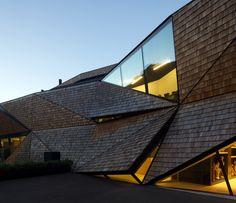 Perathoner / Bergmeister Wolf Architekten // shingle facets