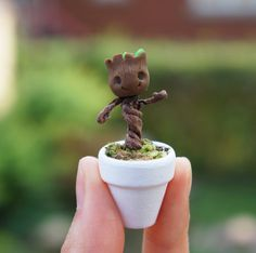These adorable itty bitty dancing roots are individually handmade with a whole lot of love. Hence, they each have their own little bit of personality, <<< * Groot, dancing baby GROOT, thank you very much Polymer Clay Kunst, Fimo Clay, Polymer Clay Charms, Polymer Clay Projects, Polymer Clay Creations, Crea Fimo, Deco Nature, Dancing Baby, Cute Clay