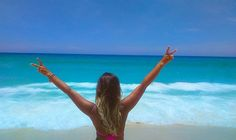 Os dias mais importantes na sua vida são o dia em que você nasce, e o dia em que você descobre o porquê.  #Deusémaravilhoso #pazeamor #caribebrasileiro #beach #dialindo #praiana #RJ #barradatijuca #sun #nature #water #seascape #ocean #instagood #outfit #praia #azuldomar #photooftheday #beautiful #fun #pretty #sand #reflection #amazing #fotografia #waves Isso é Rio de Janeiro!