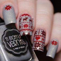 Winter Sweather. Used @iletaitunvernis Chardonnay stamping with @bornprettystore BP-L018 plate. #ilovenailpolish #iletaitunvernis #stamping… Vigan, Nail Spa, Manicure And Pedicure, Pedicures, Stamping Plates, Nail Stamping, Christmas Nail Art, Holiday Nails, Toe Nail Art