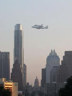 Space shuttle Endevour flyby over Austin
