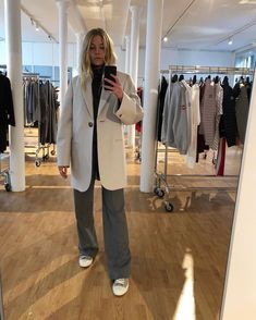 Gift Ideas for Women - Autumn - Fall - Winter - Acne Studios - Street Style - A/W 18 - FW 18 - Inspiration - Fashion - Anniken - Annijor - Olsen Twins - Shoes - Boots - OOTD - Zoella - Gift Guide - Christmas Mode Outfits, Casual Outfits, Fashion Outfits, Womens Fashion, Fashion Trends, Modest Fashion, Looks Street Style, Looks Style, New Look Trends