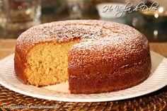 Questa torta al miele sofficissima è genuina e per di più salutare grazie alle innumerevoli proprietà nutritive del miele. è diventata un tormentone a casa