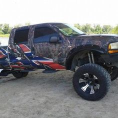 I am absolutely head over heels for this truck. Camo and rebel flag. Sexy.