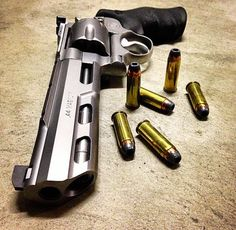Smith and Wesson, revolver guns, weapons, self defense, protection Smith & Wesson, Smith And Wesson Revolvers, Weapons Guns, Guns And Ammo, Military Weapons, Arsenal, Hand Cannon, Custom Guns, Rifles