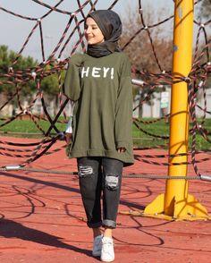 Modern Hijab Fashion, Street Hijab Fashion, Muslim Fashion, Modest Fashion, Fashion Outfits, Casual Hijab Outfit, Hijab Chic, Hijab Dress, Hijab Mode Inspiration
