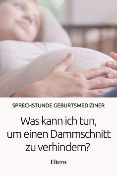 Können Massagen und Sport in der Schwangerschaft einen Dammschnitt verhindern? Hebamme Andrea weiß es und verrät es in unserem Video.
