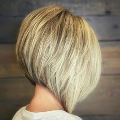 Blonde Inverted Bob, Short Inverted Bob Haircuts, Stacked Haircuts, Bob Hairstyles For Thick, Inverted Bob With Layers, Cut Hairstyles, Hairdos, Hairstyle Ideas, Hair Ideas
