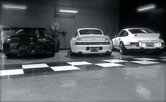 #garage #modern garage #luxurygarage #modrencars #garagedoors
