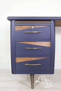 Retro Desk in Coastal Blue – furniture ideas – mobilya fikirleri – Diy Refurbished Furniture, Paint Furniture, Repurposed Furniture, Furniture Projects, Furniture Stores, Modern Furniture, Bedroom Furniture, Diy Bedroom, Office Furniture
