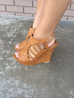 Camel Carie Cut Out Wedges
