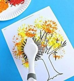 Fall tree painting with a dish brush Fall Crafts For Kids, Diy For Kids, Holiday Crafts, Autumn Art, Autumn Theme, Autumn Activities, Art Activities, Tree Crafts, Fun Crafts