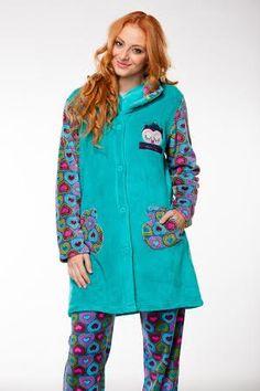 """Bata lisa y de corazones, haciendo juego con el pijama; ahora todo con un descuento en """"Lencería Sueños"""" Pola de Siero (Asturias). Ven a visitarnos."""