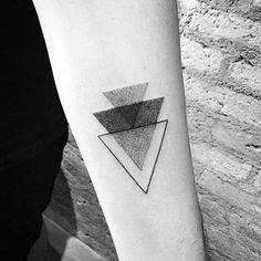 40 kleine minimalistische Tattoos für Männer - ästhetische Tinte Ideen  #asthetische #ideen #kleine #manner #minimalistische #tattoos #tinte