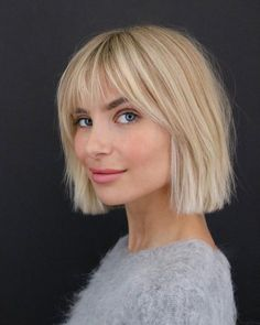 23 Short Hair with Bangs Hairstyle Ideas (Photos Included)