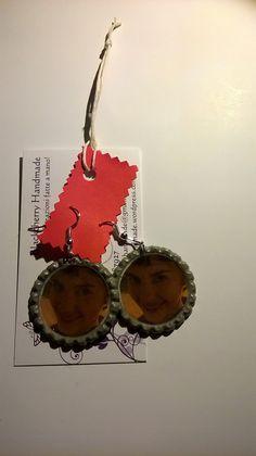 Orecchini AMELIE POULAIN - tappo a corona, by Blackcherry Handmade, 5,00 € su misshobby.com