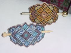 "Seed beads and plastic canvas (with tute) - JEWELRY AND TRINKETS - Here are some stick barrettes, my favorite pattern ever for making these ""ugly rubberband ponytail hiders"" I love how this canvas is p Plastic Canvas Crafts, Plastic Canvas Patterns, Beaded Cross Stitch, Canvas Designs, Bead Weaving, Bead Crafts, Beaded Embroidery, Beading Patterns, Needlepoint"