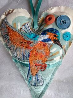Kingfisher embroidered appliqué heart door hanger, kingfisher pillow, kingfisher hanging decoration, embroidered kingfisher, MADE TO ORDER