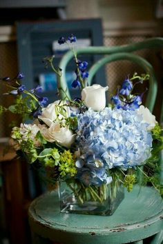 Super Ideas Wedding Flowers Hydrangea Pink Floral Arrangements - Image 21 of 25 Vintage Flower Arrangements, Beautiful Flower Arrangements, Vintage Flowers, Vintage Floral, Hydrangea Arrangements, Blue Wedding Centerpieces, Vintage Centerpieces, Wedding Decorations, Square Vase Centerpieces
