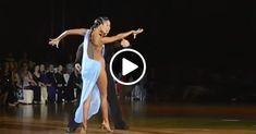 """Uma dança em que tudo é incrível: corpo, vestido, música, rumba. Entre todas as danças de salão, a rumba é preenchida com a mais profunda emotividade, é até chamada de """"dança do amor"""". E não admira, a rumba era originalmente uma dança de casamento. E este desempenho de campeões no programa latino-americano de Vyacheslav Kriklivy e Elena Khvorova não deixará ninguém indiferente. Estética e beleza - não tire os olhos!"""
