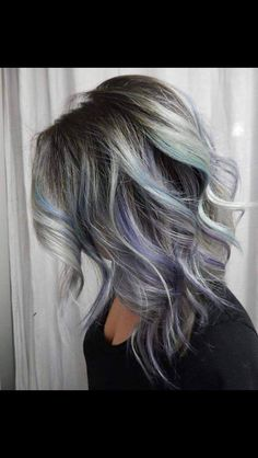 Grey ombré with purple and teal highlight