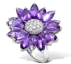 Best of British: Asprey amethyst Daisy Heritage ring. See more: http://www.thejewelleryeditor.com/2012/07/walpole-society-celebrates-the-best-of-british-jewellery/ #purple #jewelry