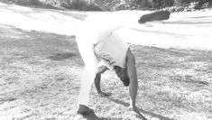 Capoeira Martial Arts, Martial Arts Moves, Self Defense Martial Arts, Martial Arts Styles, Martial Arts Techniques, Martial Arts Workout, Martial Arts Training, Superhero Workout, Gym Workout Tips
