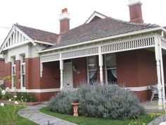 https://flic.kr/p/a4iWL8 | A Large Queen Anne Style Villa - Moonee Ponds | This wonderful concoction of Art Nouveau fretwork terracotta roof tiles, windows of stained glass and a tall chimneys appear on a grand Edwardian villa in the Melbourne suburb of Moonee Ponds.  Built around the turn of the Twentieth Century, this large villa has been built in the Queen Anne style, which was mostly a residential style inspired by the Arts and Crafts movement in England, but also encompassed some of…