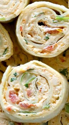 Mexican Chicken Enchilada Roll Ups — These are a great appetizer & passed the taste test. What I love about these, is that they can totally be made ahead of time & they are great for parties because y (Easy Mexican Chicken) Fingerfood Recipes, Appetizer Recipes, Snack Recipes, Cooking Recipes, Finger Food Appetizers, Appetizers For Party, Cheese Appetizers, Christmas Appetizers, Healthy Appetizers