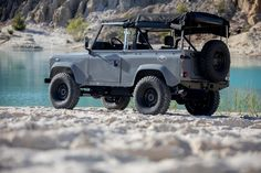 10 Achingly Beautiful Photos of a Customized Land Rover D90 | Airows