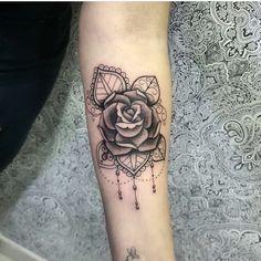 Tattoo feather birds foot beautiful New ideas Bow Tattoo Thigh, Tattoo On, Back Tattoo, Prism Tattoo, Feather Tattoos, Rose Tattoos, Body Art Tattoos, Girl Tattoos, Tatoos