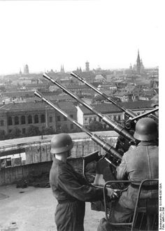 German gunners in position with a four barrels 2cm-Vierlings-Flak .Berlin. Date unknown.